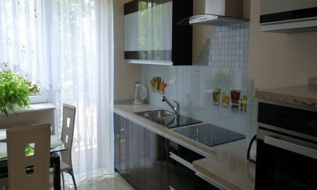 Mozaika Szklana Biała w Kuchni