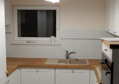 mozaika biała w kuchni
