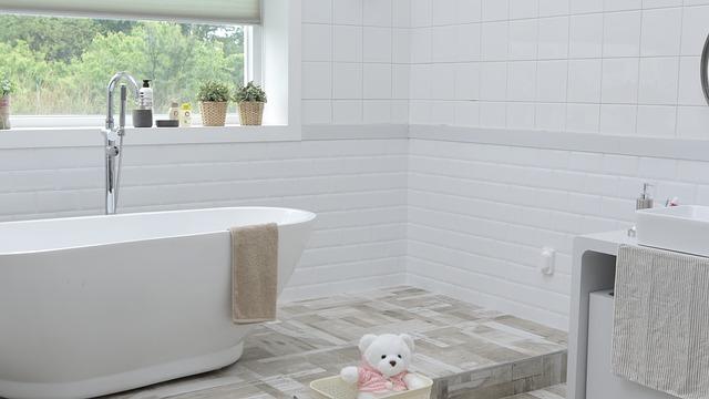 Mozaika do łazienki – na co zwrócić uwagę wybierając ją dla siebie