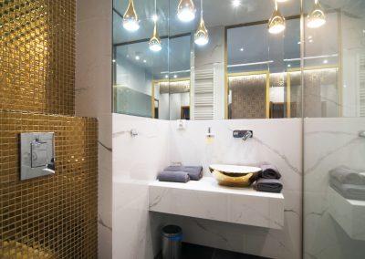 mozaika szklana w apartamencie 1