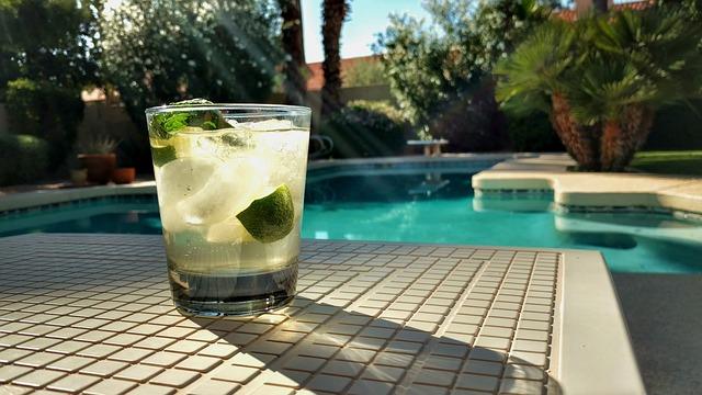 Mozaika szklana na basen